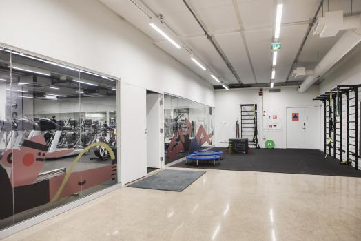 There's room for functional training at UniSport Kluuvi.