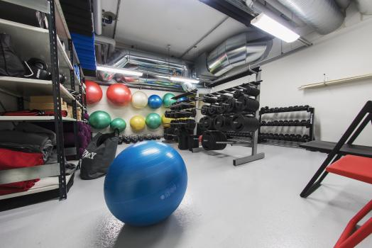 At UniSport Kluuvi you will find a wide selection of equiment to use when training.